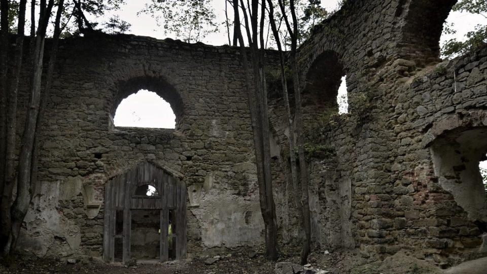 Ruiny kostelu Panny Marie u Zdoňova