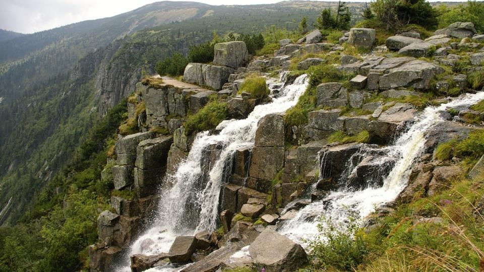 Nejvyšší vodopád v ČR vytéká z Pančavské louky