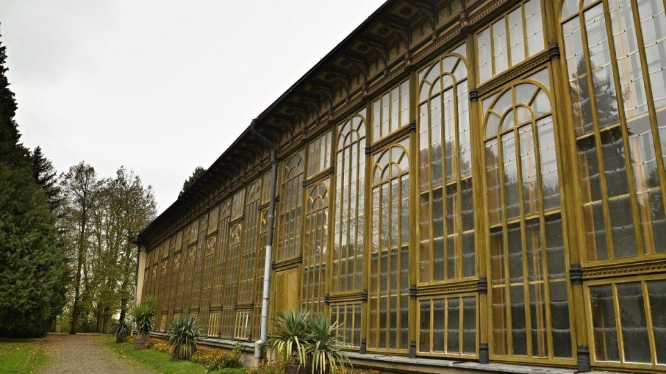 Jižní stěna palmovéo skleníku