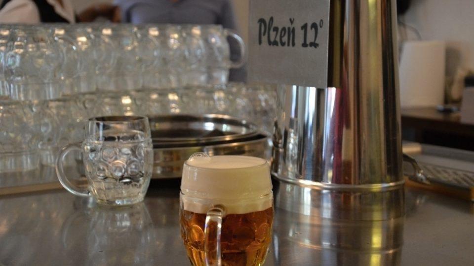 Bublinka na načepovaném pivu je podpisem výčepního