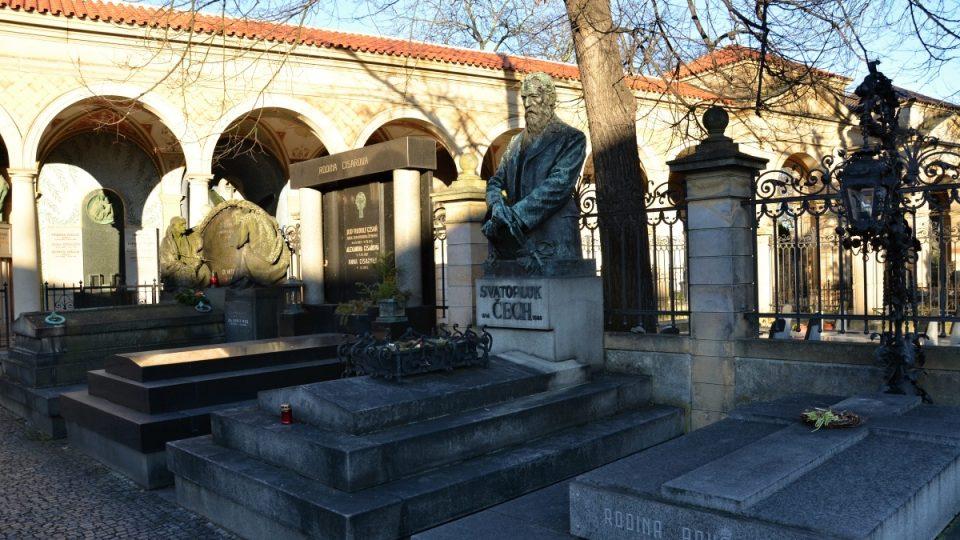 Architekt Antonín Wiehl vypracoval projekt hrobky Slavín i arkád Vyšehradského hřbitova