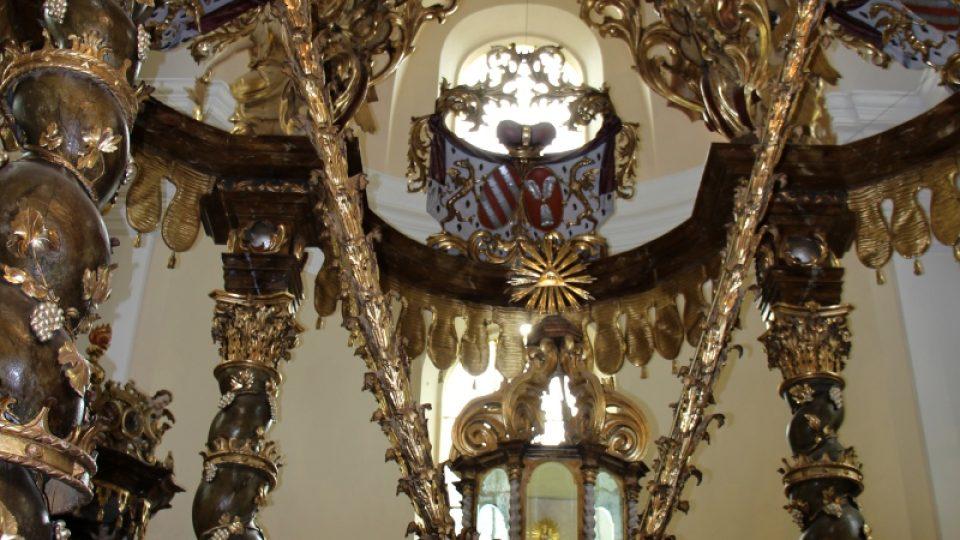 Unikátní závěsný oltář