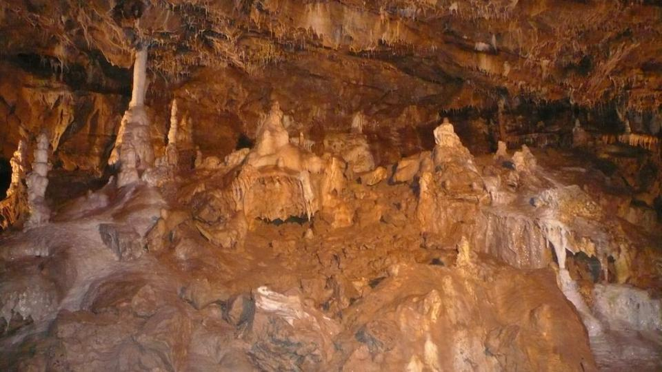 Krápníkové útvary na Galerii nad Zadním dómem