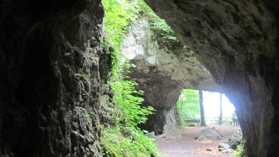 Uvnitř Krápníkové jeskyně