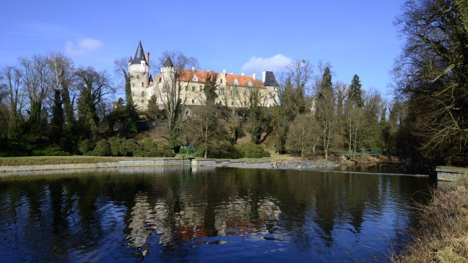Zámek Žleby má historii sahající do 13. století
