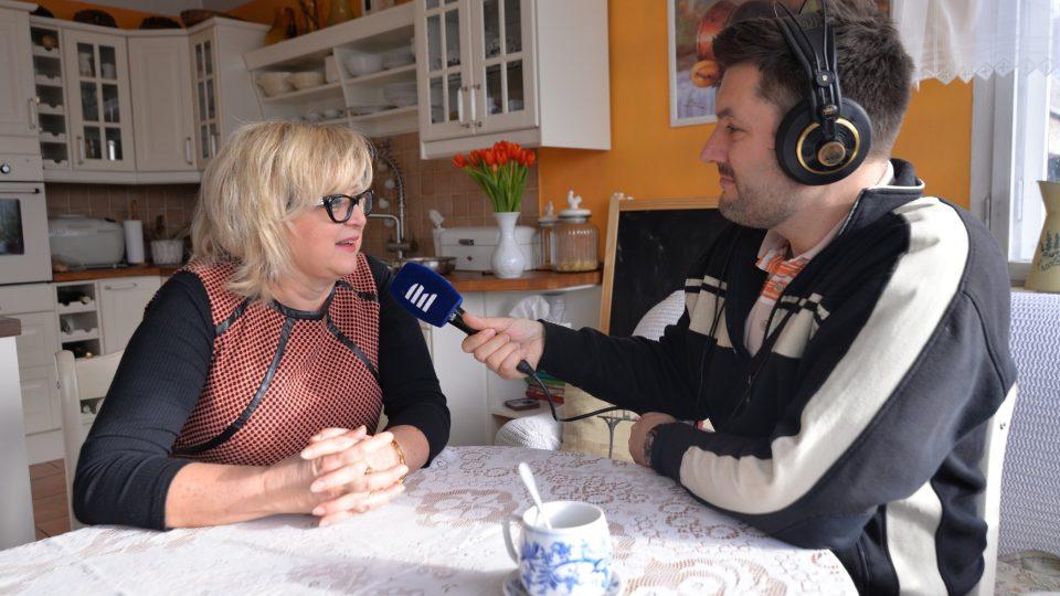 Jaroslava Trpková při rozhovoru s Patrikem Rozehnalem