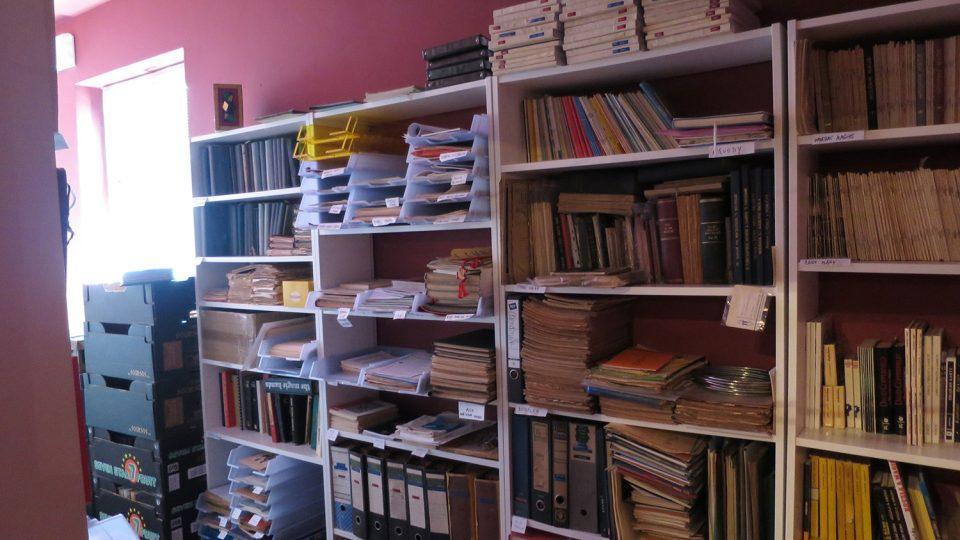 Kouzelníkům jsou ve speciální knihovně k dispozici kouzelnické manuály