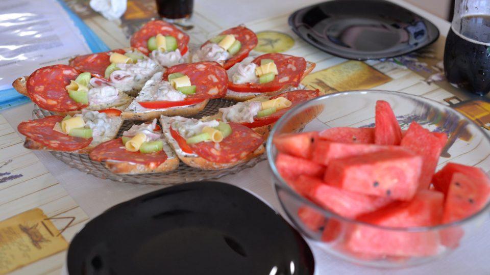 Občerstvení, aby pečení rychleji utíkalo
