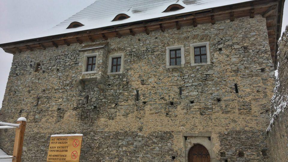 Hlavní budova hradu Kašperk