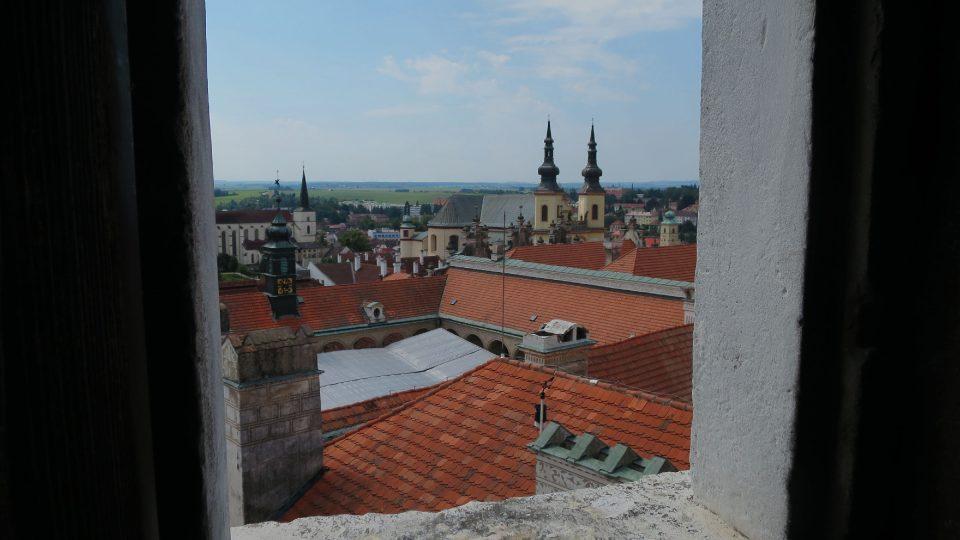 Výhled z okna zámecké věže v Litomyšli