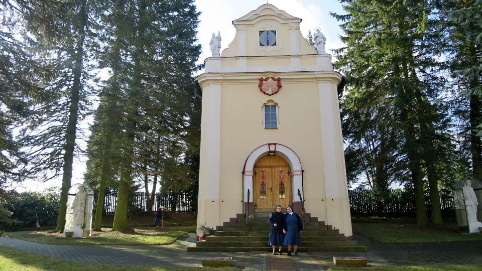 Kostelík sv. Huberta v areálu Charitního domova Mendryka
